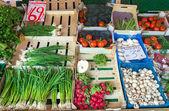 Zielona cebula i inne warzywa — Zdjęcie stockowe