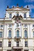 Pałac arcybiskupa w pradze — Zdjęcie stockowe