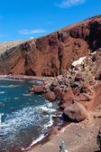 The red sand beach on Santorini — Stock Photo