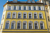 Yellow restored house in Berlin — Foto de Stock