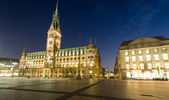 Nightfall over Hamburgs townhall — Stock Photo