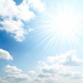 Sol på blå himmel — Stockfoto