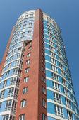Modern high-rise apartment building — Foto de Stock