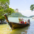 Traditional Thai boat on the beach — Stock Photo