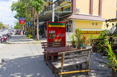 Neighborhood cafes and shops in the resort town of Thailand Ao Nang Krabi — 图库照片
