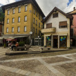 Streets and houses in the mountain town of Alpine Italian Ponte di Legno region Lombaridya Brescia, northern Italy — Stock Photo