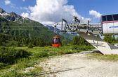Wyciągu narciarskiego Alpy latem. Ośrodek narciarski passo di tonalle. Północnej ital — Zdjęcie stockowe