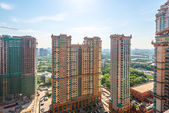Residential areas in Moscow. Modern high-rise buildings and streets of the city — Fotografia Stock