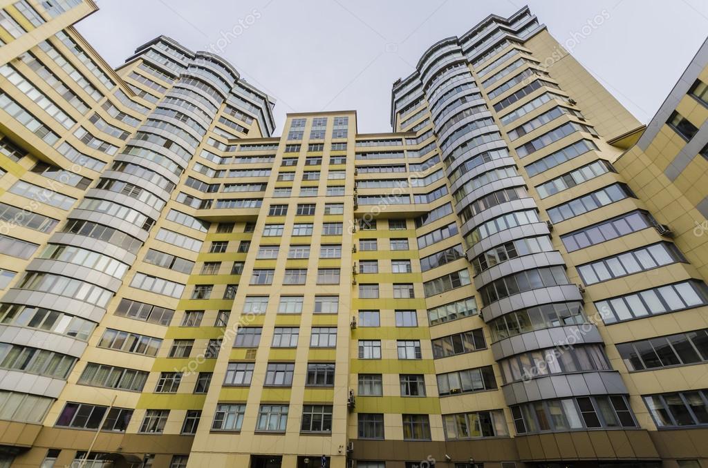 Moderne immeuble avec appartements et balcons r sidentiel for Image immeuble moderne