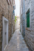 Old Budva. Houses, streets and alleys of the city. Montenegro — Stock Photo