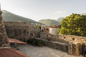 Old fortress in Budva Montenegro on the beach with ancient stone walls — Foto Stock