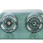 Vintage looking radio with clock — Stock Photo #14583741