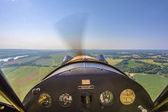 Aerial view of Missouri river from vintage aircraft cockpit — Foto de Stock