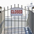 Closed sign on ship yard gate — ストック写真
