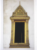 Temple door background bangkok thailand — Stock Photo