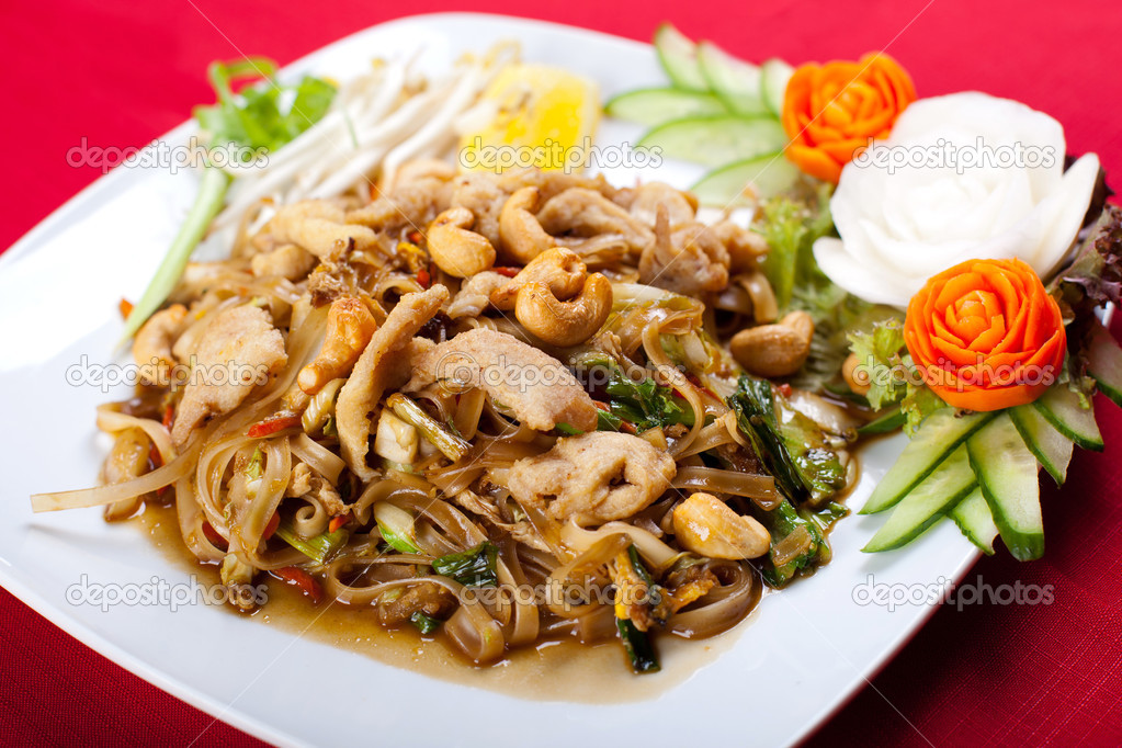Thai style noodle stir fry with meat — Stock Photo © michaeljung ...