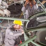dwa włókienniczych tkactwo maszyna mechanika ustalania Krosno — Zdjęcie stockowe