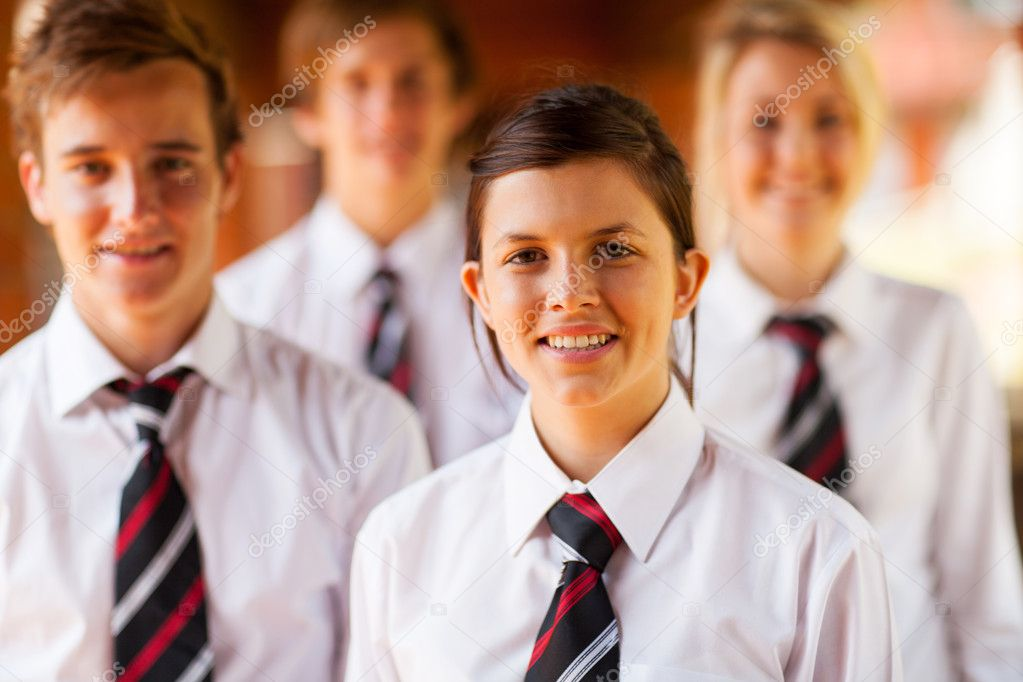 Group of high school girls and boys portrait — Stock Photo #14966823