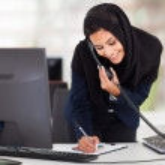 Ortadoğu iş kadını çalışma — Stok fotoğraf #22639375