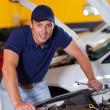 Happy auto mechanic — Stock Photo