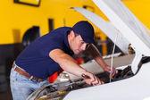 Mecânico de automóveis, reparação de veículos — Fotografia Stock