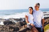 äldre par avkopplande efter träning — Stockfoto