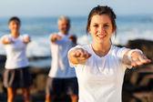 Giovane ragazza teen esercizio in forma — Foto Stock