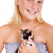 Cute teen girl with little kitten — 图库照片