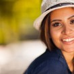 Beautiful young woman outdoors — Stock Photo #26391135