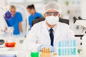 ученый, работают в лаборатории — Стоковое фото