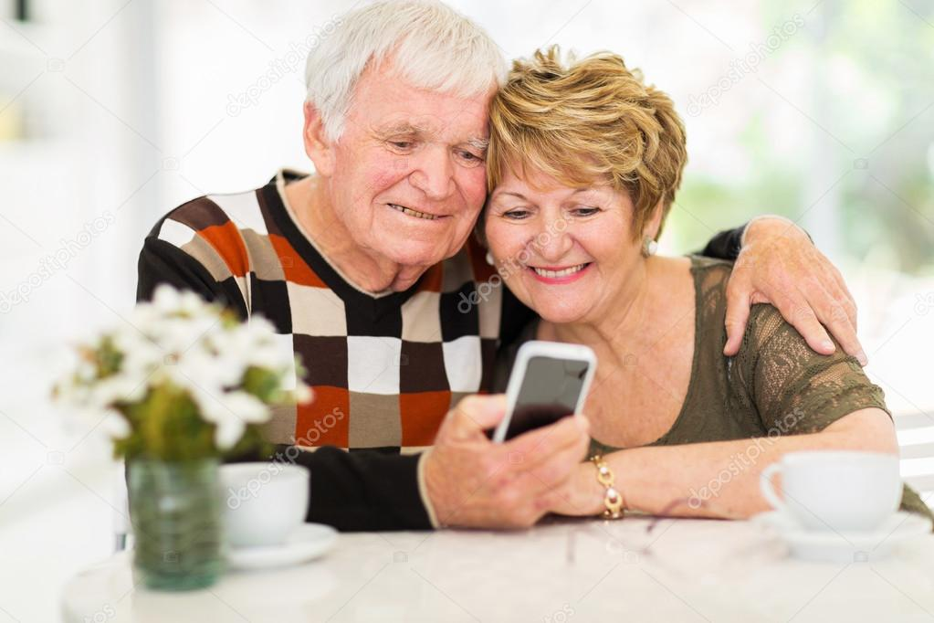 Elderly Using Facebook Lovely Elderly Couple Using