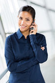 Businesswoman talking on phone — Foto Stock