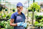 非洲裔美国女性的园丁 — 图库照片
