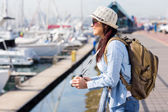 Tourist looking at boats — Stock Photo