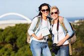 Two young women touring Durban — Stock Photo