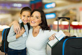 Mother and daughter travelling — Stock Photo
