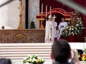 教皇弗朗西斯就职典礼大规模 — 图库照片