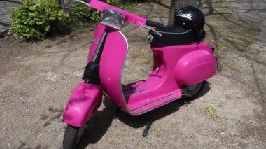 Pink Vintage 50s Vespa Scooter — Stock Video