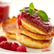 Pancakes with raspberries — Stockfoto