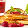 Pancakes with raspberries — Stock Photo #15655479