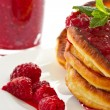 Pancakes with raspberries — ストック写真