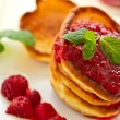 Pancakes with raspberries — Stock fotografie