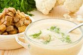 カリフラワーのクリーム スープ — ストック写真