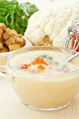 Soup cauliflower puree with red caviar — Stock Photo