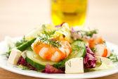 Fresca insalata con gamberetti — Foto Stock