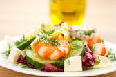 Fresh salad with shrimp — Stockfoto