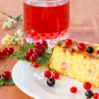 Cottage cheese pie with berries — Stock Photo