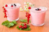 冷凍イチゴのスムージー — ストック写真