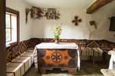 Interiör av gamla ukrainska lantliga hem — Stockfoto