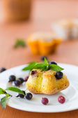 Muffins with currants — Stock Photo